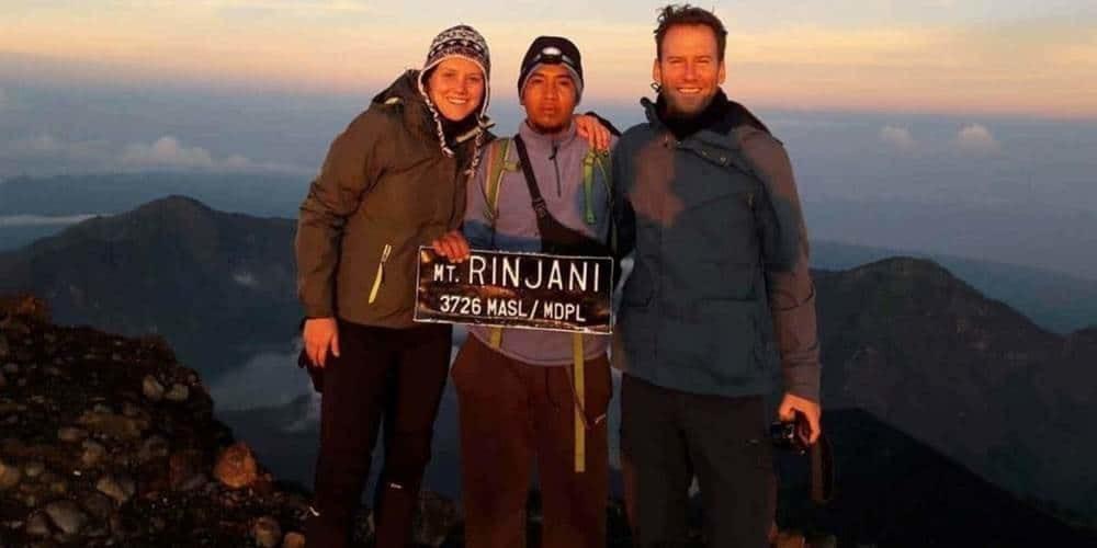 Guide and Porter Trekking Mount Rinjani